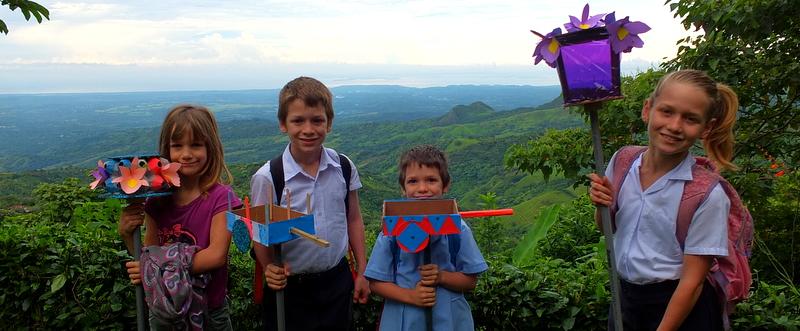 15 de setiembre: fête de l'Indépendance du Costa Rica! Les faroles et l'école le dimanche!